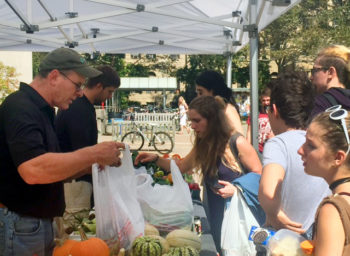 Rainbow Farms Finds a Market at Oberlin College