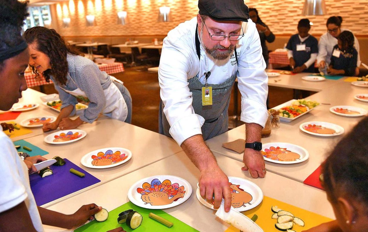 Healthy Kids Program Turns Corporate Kitchens into Classrooms