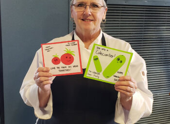 Grove City College Students Show Their Gratitude to Dining Staff