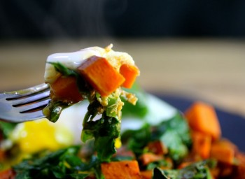Recipe: Spicy Sweet Potato and Spinach Breakfast Hash