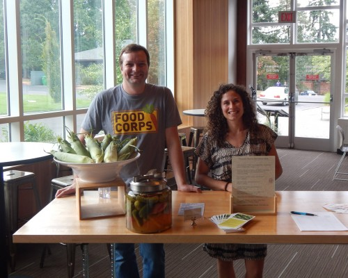 Lewis & Clark College Feeds Food Corps Volunteers' Stomachs and Minds