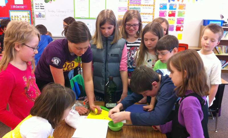 Maggie leading a third grade cooking class at Lockwood Elementary School in Billings, MT