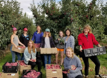 Whitman Glean Team Students Fight Food Waste on Farms