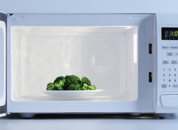 Wellness Tips: Microwaving Fact and Fiction — Does It Nuke Nutrients?