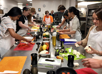 Medtronic Hosts Cooking 101 for the College-Bound